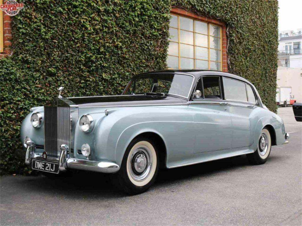Beyoncé – Rolls Royce Convertible from 1959