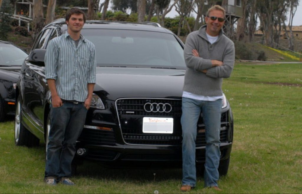 Kevin Costner - Audi S8