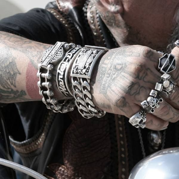 Why should you go shopping for a new skull cuff