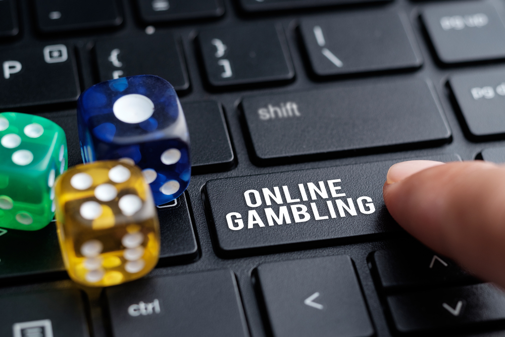 7 Reasons to Play at an Online Casino in 2020 - Chart Attack