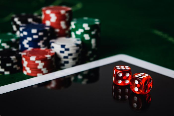 How Do Online Casinos Manufacture a Luxurious Atmosphere - 2021 Guide -  Chart Attack