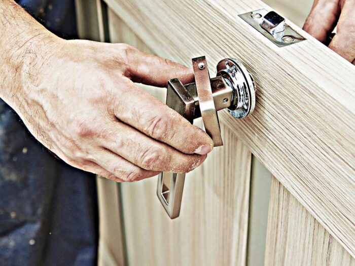 Why Hire a Professional Locksmith Service for The Home?